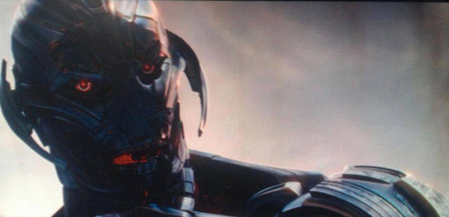 hulkbuster-and-and-ultron-revealed-in-avengers-age-of-ultron-photos1