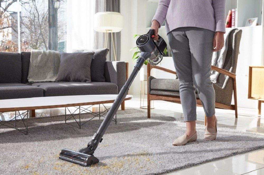 LG CordZeroThinQ es la aspiradora que se limpia sola